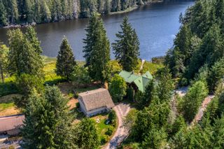 Photo 2: 12770 MAINSAIL Road in Madeira Park: Pender Harbour Egmont House for sale (Sunshine Coast)  : MLS®# R2610413