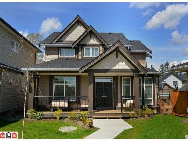 Main Photo: 19551 71 A Avenue in Surrey: House for sale : MLS®# F1224114