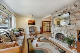 Photo 2: 2548 Wesley Pl in : Vi Oaklands House for sale (Victoria)  : MLS®# 866371