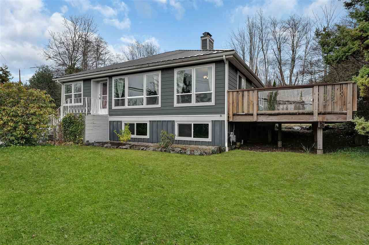 Main Photo: 38132 CLARKE Drive in Squamish: Hospital Hill House for sale : MLS®# R2442112