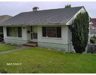 Photo 10: 2926 E 8TH Avenue in Vancouver: Renfrew VE House for sale (Vancouver East)  : MLS®# V733462