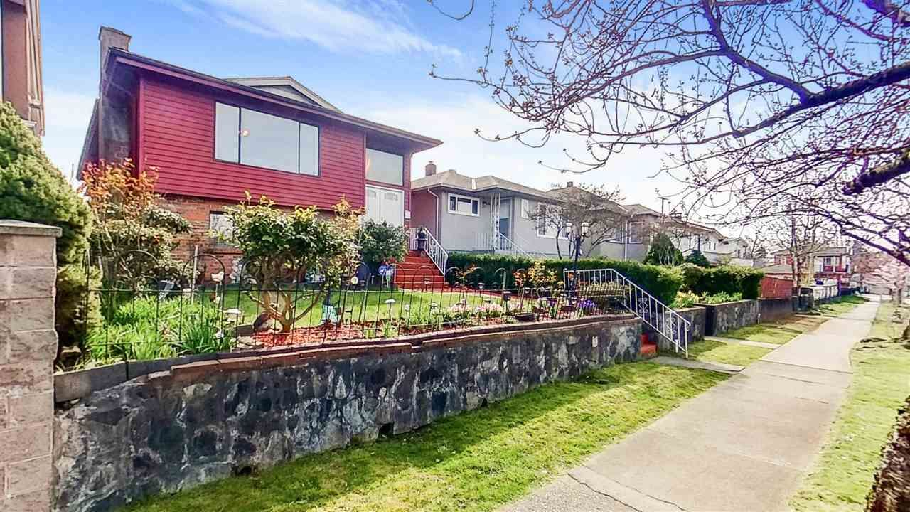Main Photo: 2478 22ND Avenue in Vancouver: Renfrew Heights House for sale (Vancouver East)  : MLS®# R2565740