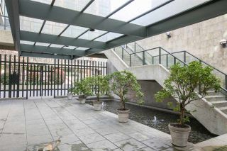 """Photo 3: 2204 1155 HOMER Street in Vancouver: Yaletown Condo for sale in """"CITY CREST"""" (Vancouver West)  : MLS®# R2040880"""