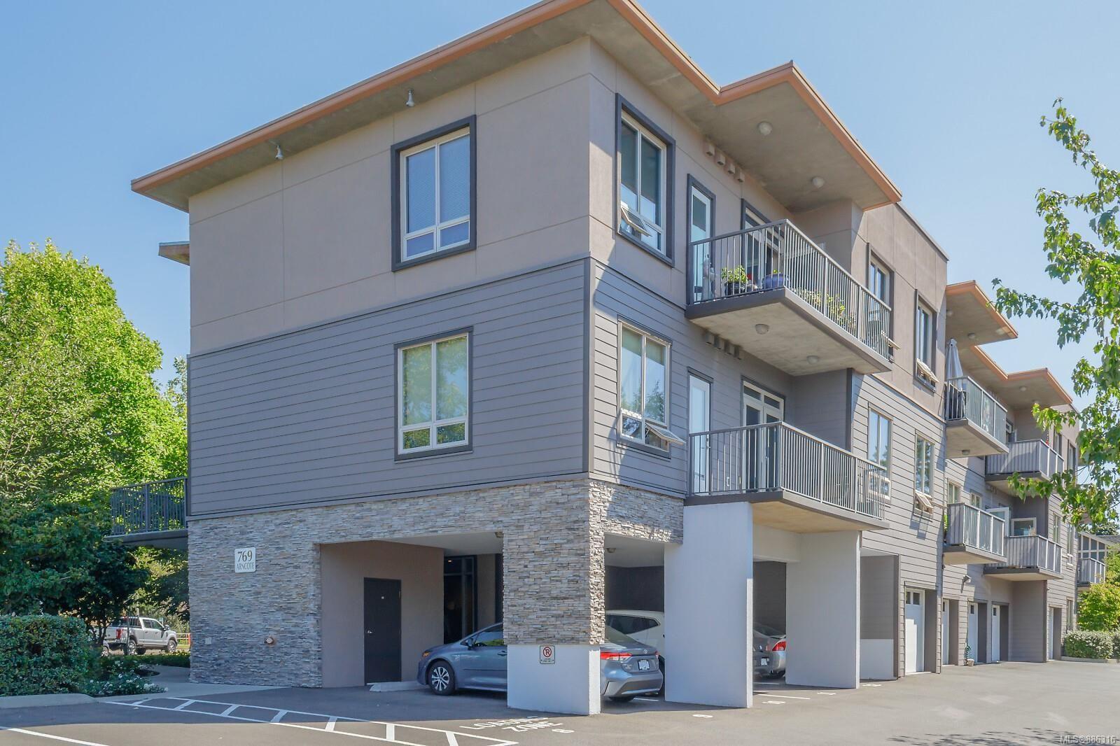 Main Photo: 208 769 Arncote Ave in Langford: La Langford Proper Condo for sale : MLS®# 886316