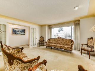 Photo 2: 1440 134A Street in Surrey: Crescent Bch Ocean Pk. House for sale (South Surrey White Rock)  : MLS®# R2552368