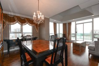 """Photo 3: 27F 6128 PATTERSON Avenue in Burnaby: Metrotown Condo for sale in """"GRAND CENTRAL PARK PLACE"""" (Burnaby South)  : MLS®# R2250291"""