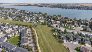 Photo 3: 260 Cascades Pass: Chestermere Row/Townhouse for sale : MLS®# A1144701