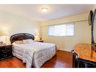 Photo 11: 6584 CHARLES ST in Burnaby: Sperling-Duthie House for sale (Burnaby North)  : MLS®# V1110397