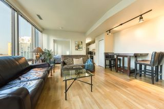 "Photo 4: 1004 989 NELSON Street in Vancouver: Downtown VW Condo for sale in ""THE ELECTRA"" (Vancouver West)  : MLS®# R2435336"