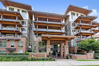 """Photo 1: 402 500 ROYAL Avenue in New Westminster: Downtown NW Condo for sale in """"DOMINION"""" : MLS®# R2501724"""