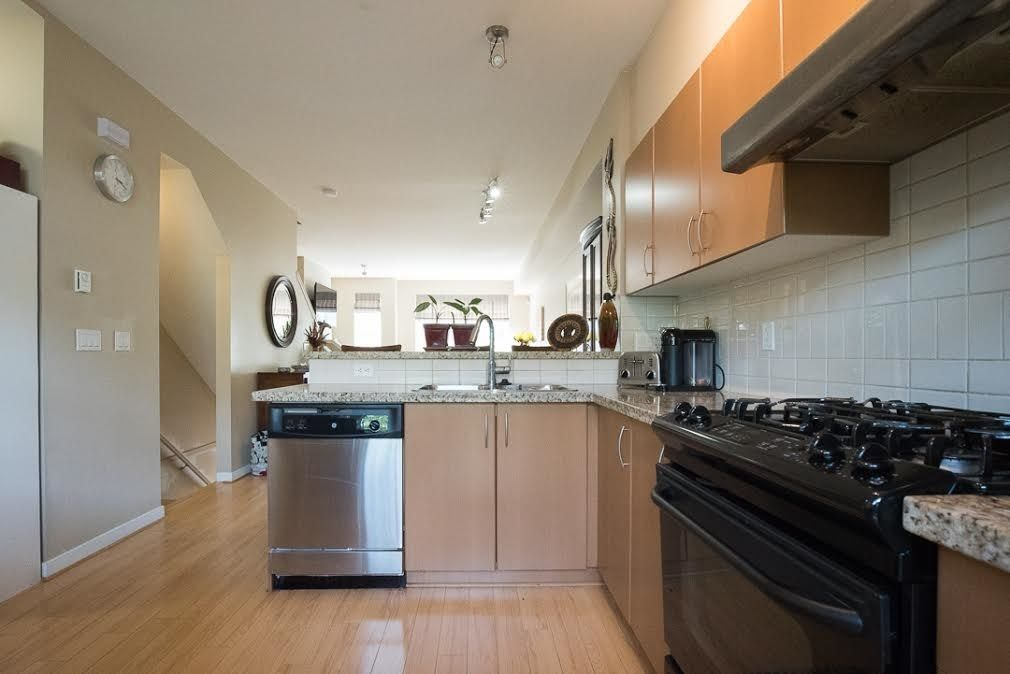"""Photo 5: Photos: 28 301 KLAHANIE Drive in Port Moody: Port Moody Centre Townhouse for sale in """"CURRENTS AT KLAHANIE"""" : MLS®# R2549275"""