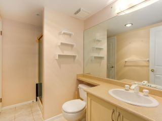 """Photo 19: 219 1869 SPYGLASS Place in Vancouver: False Creek Condo for sale in """"THE REGATTA"""" (Vancouver West)  : MLS®# R2327588"""