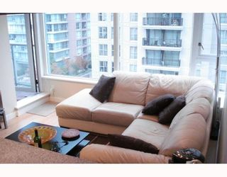 """Photo 7: 1003 1001 RICHARDS Street in Vancouver: Downtown VW Condo for sale in """"MIRO"""" (Vancouver West)  : MLS®# V738446"""