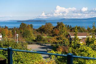 Photo 21: 102 758 Sayward Hill Terr in : SE Cordova Bay Condo for sale (Saanich East)  : MLS®# 862858