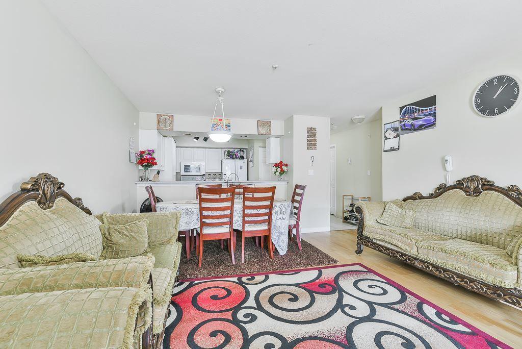 "Photo 10: Photos: 313 12739 72 Avenue in Surrey: West Newton Condo for sale in ""NEWTON COURT"" : MLS®# R2293338"