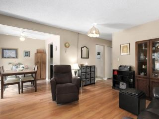 """Photo 5: 2302 10620 150 Street in Surrey: Guildford Townhouse for sale in """"LINCOLNS GATE"""" (North Surrey)  : MLS®# R2449550"""