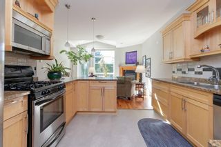 Photo 14: 6 974 Sutcliffe Rd in : SE Cordova Bay Row/Townhouse for sale (Saanich East)  : MLS®# 883584