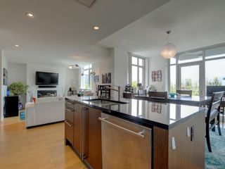 Photo 3: TH4 100 Saghalie Rd in : VW Songhees Row/Townhouse for sale (Victoria West)  : MLS®# 863022