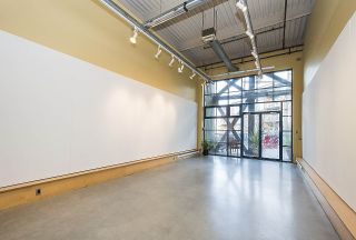 """Photo 4: 210 237 E 4TH Avenue in Vancouver: Mount Pleasant VE Condo for sale in """"ARTWORKS"""" (Vancouver East)  : MLS®# R2239279"""