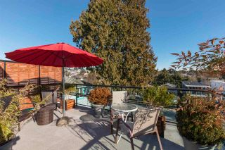 """Photo 10: 843 PARKER Street: White Rock House for sale in """"East Beach"""" (South Surrey White Rock)  : MLS®# R2590791"""