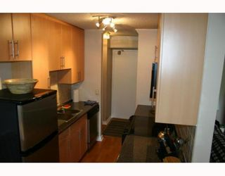 """Photo 5: 405 320 ROYAL Avenue in New_Westminster: Downtown NW Condo for sale in """"THE PEPPERTREE"""" (New Westminster)  : MLS®# V765945"""