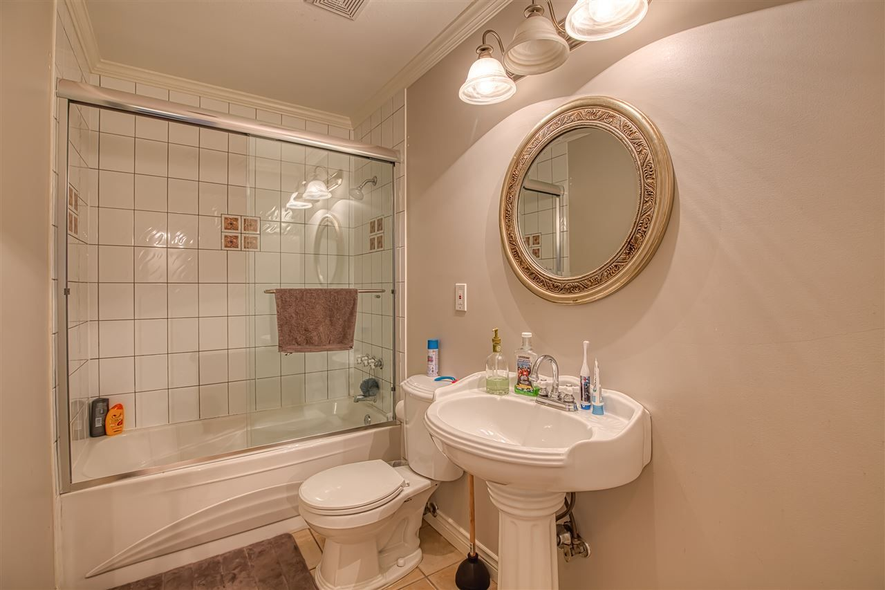 """Photo 14: Photos: 8137 WILTSHIRE BOULEVARD Boulevard in Delta: Nordel House for sale in """"Canterbury Heights"""" (N. Delta)  : MLS®# R2474823"""
