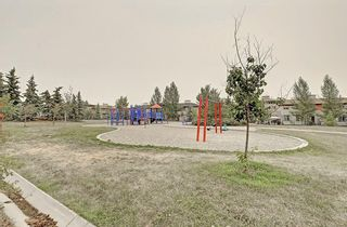 Photo 21: 53 EVERSYDE Point SW in Calgary: Evergreen Row/Townhouse for sale : MLS®# C4201757