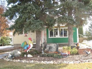 Photo 1: 309 1st Street East in Kyle: Residential for sale : MLS®# SK846189