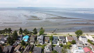 "Photo 3: 2859 MCKENZIE Avenue in Surrey: Crescent Bch Ocean Pk. House for sale in ""Crescent Beach"" (South Surrey White Rock)  : MLS®# R2529521"