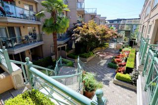 """Photo 19: C1 332 LONSDALE Avenue in North Vancouver: Lower Lonsdale Condo for sale in """"The Calypso"""" : MLS®# R2198607"""