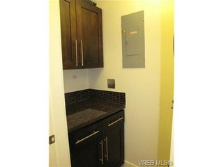 Photo 12: 111 1560 Hillside Ave in VICTORIA: Vi Oaklands Condo for sale (Victoria)  : MLS®# 682375