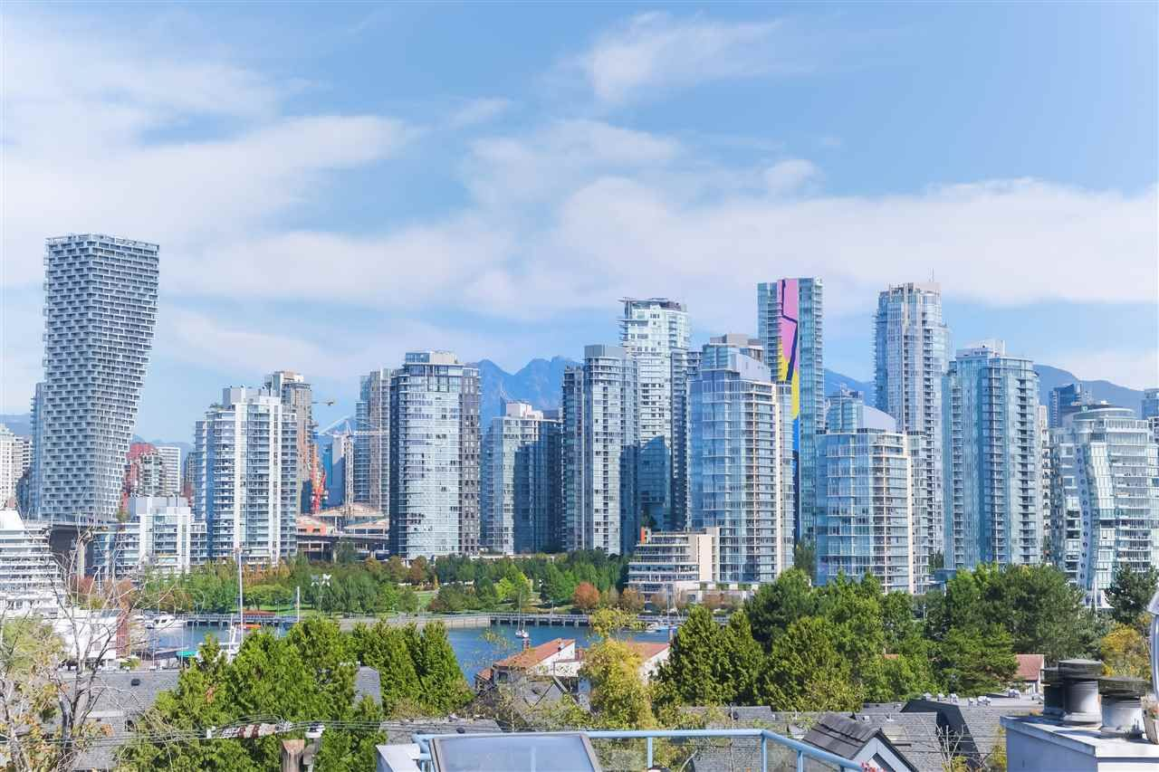 Main Photo: 401 1176 W 6TH AVENUE in : Fairview VW Condo for sale (Vancouver West)  : MLS®# R2403031