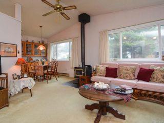 Photo 3: 2107 STADACONA DRIVE in COMOX: CV Comox (Town of) House for sale (Comox Valley)  : MLS®# 778138