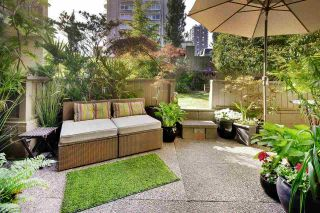 """Photo 2: 209 1215 PACIFIC Street in Vancouver: West End VW Condo for sale in """"1215 Pacific"""" (Vancouver West)  : MLS®# R2173461"""