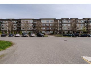 """Photo 2: 409 9422 VICTOR Street in Chilliwack: Chilliwack N Yale-Well Condo for sale in """"NEW MARKET"""" : MLS®# R2337237"""
