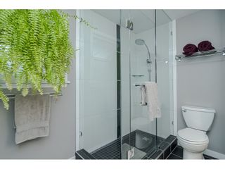 """Photo 16: 18677 61A Avenue in Surrey: Cloverdale BC House for sale in """"EAGLECREST"""" (Cloverdale)  : MLS®# R2426392"""