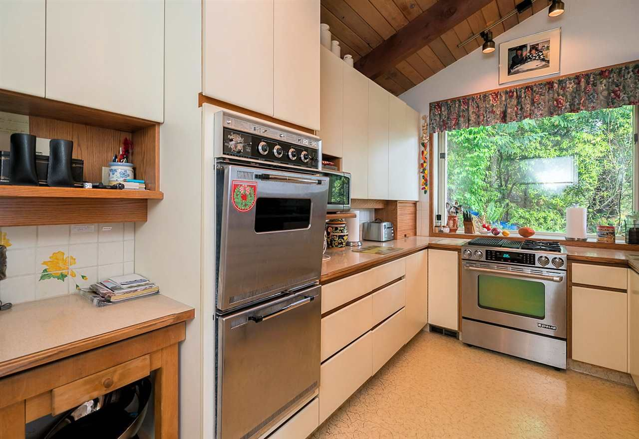 Photo 8: Photos: 10040 TIMBERLINE Place in Chilliwack: Little Mountain House for sale : MLS®# R2167640