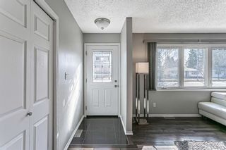 Photo 2: 9737 Elbow Drive SW in Calgary: Haysboro Detached for sale : MLS®# A1088703