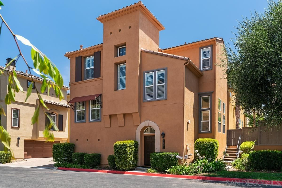 Main Photo: MISSION VALLEY House for sale : 3 bedrooms : 2803 Villas Way in San Diego