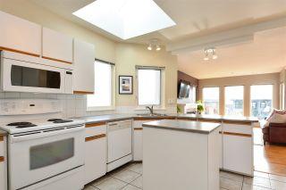 Photo 10: 14659 W BEACH Avenue: White Rock House for sale (South Surrey White Rock)  : MLS®# R2344837