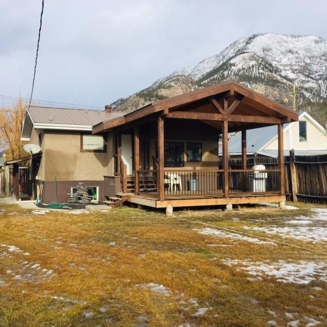 Main Photo: 4986 LUCK AVENUE in Canal Flats: House for sale : MLS®# 2456103