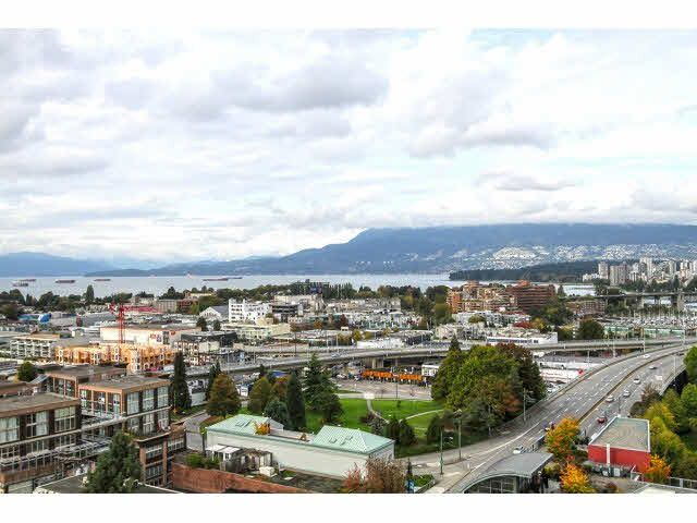 """Main Photo: 1304 1483 W 7TH Avenue in Vancouver: Fairview VW Condo for sale in """"VERONA OF PORTICO"""" (Vancouver West)  : MLS®# V1090142"""