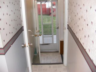 Photo 6: 39 DOVER MEADOW Close SE in Calgary: Dover Detached for sale : MLS®# A1021166