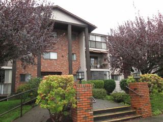 """Photo 2: 314 32910 AMICUS Place in Abbotsford: Central Abbotsford Condo for sale in """"Royal Oaks"""" : MLS®# R2122467"""