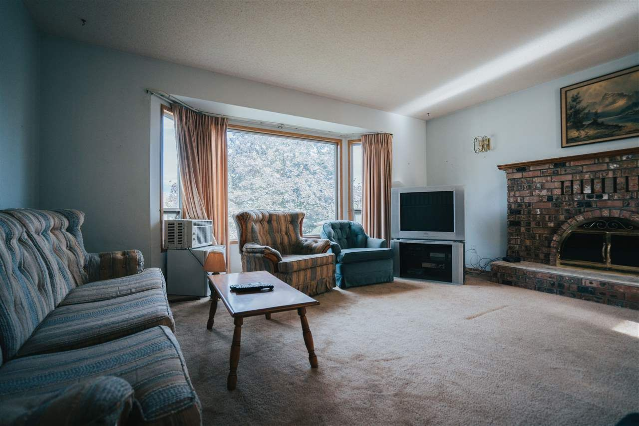 Photo 16: Photos: 3655 FIFE Place in Abbotsford: Central Abbotsford House for sale : MLS®# R2479390