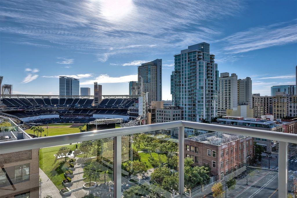 Main Photo: DOWNTOWN Condo for sale : 2 bedrooms : 427 9th Avenue #903 in San Diego