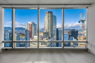 """Photo 1: 2906 1151 W GEORGIA Street in Vancouver: Coal Harbour Condo for sale in """"Trump International Hotel and Tower Vancouver"""" (Vancouver West)  : MLS®# R2543391"""