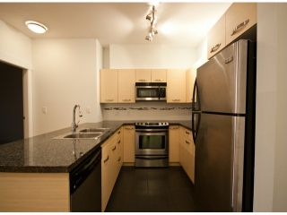 """Photo 2: 119 33539 HOLLAND Avenue in Abbotsford: Central Abbotsford Condo for sale in """"The Crossing"""" : MLS®# F1427624"""