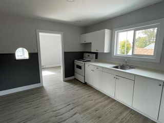 Photo 16: 355 Magnus Avenue in Winnipeg: North End Residential for sale (4A)  : MLS®# 202123163