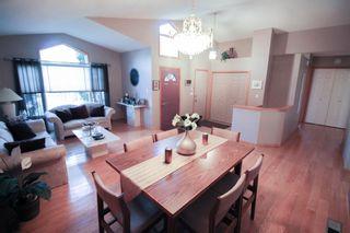 Photo 3: Great 3 bedroom, 1400 sqft, family home in great area of Kildonan Estates!
